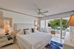 Villas on the beach 402 bedroom 1