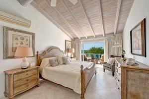 Villas on the beach 402 bedroom 2