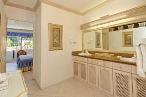 Aquamarine villa Barbados bathroom