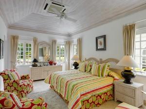 Aurora villa rental bedroom 1