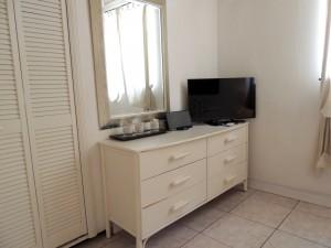 Camden Nook beach house rental bedroom 2