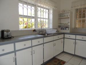 Barefoot Bay Cottage kitchen