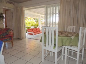 Barefoot Bay Cottage dining
