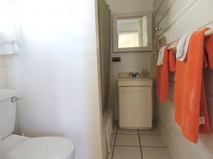 Barefoot Bay Studio bathroom