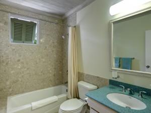 Beacon Hill 303 Barbados bathroom