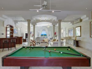 Bohemia-villa-pool-table