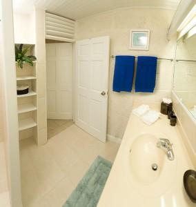 Bora Bora Upper Barbados bathroom