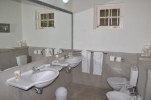 CaLimbo-villa-Barbados-bathroom