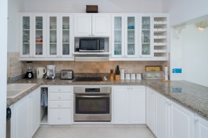 chanel-5-mahogany-bay-barbados-villa-rental-kitchen