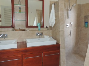 Crows Nest master bathroom