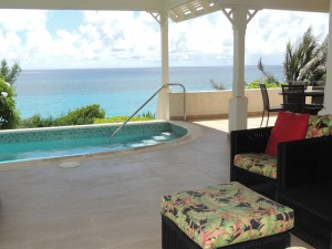 Crows Nest patio with pool