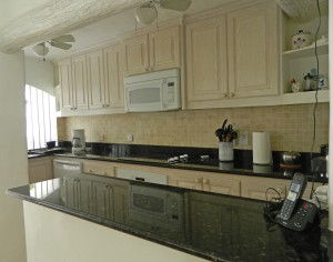 Ocean's Edge kitchen