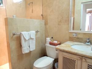 Emerald Pearl bathroom
