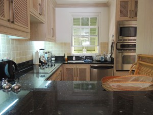 emerald-pearl-summerland-villa-rental-barbados-kitchen