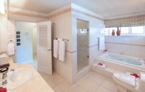 fosters-house-villa-barbados-bathroom