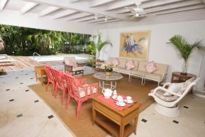 High Trees villa covers patio
