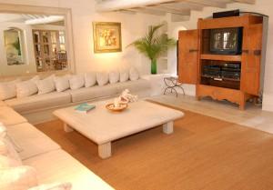 Landfall villa Sandy Lane master family room