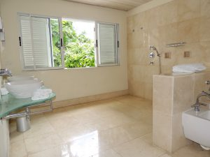 landmark-house-villa-rental-barbados-bathroom