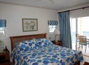 Maxwell Beach Villas 403 master bed