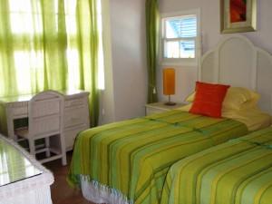 Maxwell Beach Villas 503 bedroom 2