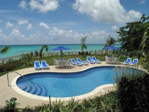 Maxwell Beach Villas swimming pool
