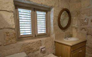 melissa-barbados-cottage-bathroom2
