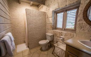 melissa-barbados-cottage-secondbath