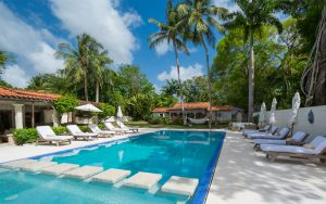 melissa-barbados-swimming-pool