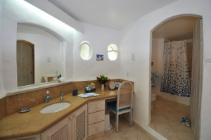oceans-edge-barbados-villa-rental-bathroom
