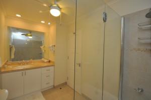 Palm Beach 204 bathroom