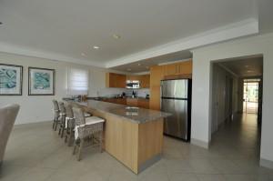 Palm Beach 204 kitchen