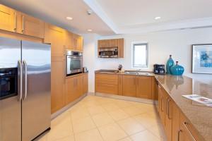 Palm Beach 405 kitchen