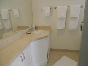 Palm Beach Condos bathroom
