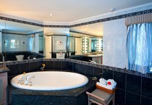 reeds-house-5-villa-vacation-rental-barbados-bathroom