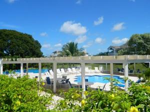 Royal Apartment 121 Barbados shared pool