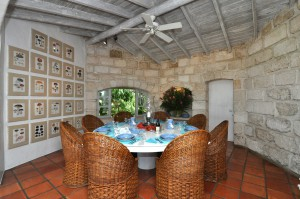 San Flamingo villa dining room