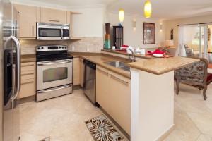 Sapphire Beach 102 kitchen