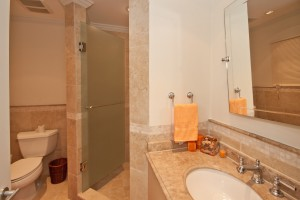 sapphire-beach-118-barbados-vila-rental-bathroom