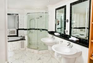 Schooner Bay 207 bathroom