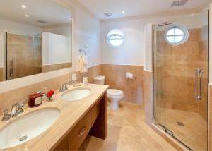 Sugar-Cane-Ridge-1-Barbados-bathroom