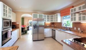 Tara-villa-rental-Barbados-kitchen