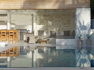 The Dream pool and bar