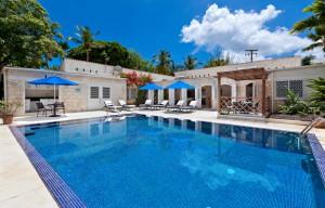 Todmorden holiday villa rental pool