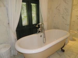 Tradewinds villa Barbados bathroom