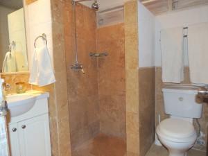 Villa Melissa Barbados bathroom