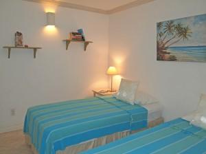 Villas on the Beach 101 bedroom 2