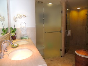 Villas-on-the-Beach-303-Barbados-vacation-rental-bathroom