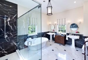 Windward villa bathroom 1