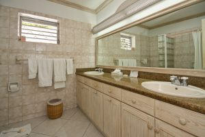 aquamarine-barbados-beach-house-rental-bathroom