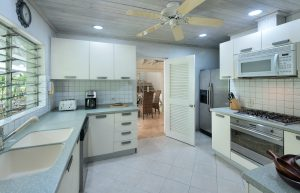 bluff-cottage-villa-rental-barbados-kitchen